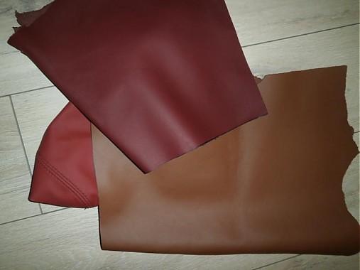 farebné a perforované odrezky kože 0,950 kg
