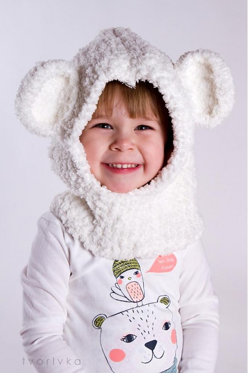 Detské čiapky - Zakuklený medvedík - NÁVOD na háčkovaný šál s kapucňou - 3605399
