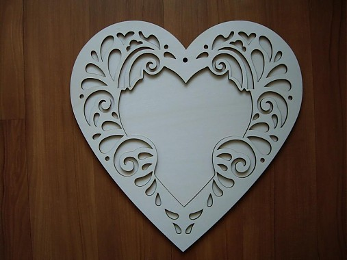 Vyrezávané srdce 30 cm - fotorámik