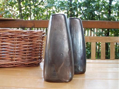 váza bronzová