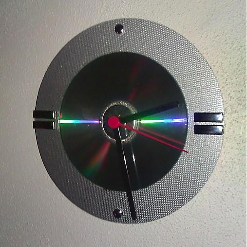 Hodiny-CD-01