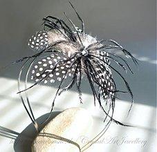 Vintage čelenka s krištáľom Swarovski a perím - 1162421 75a03306db