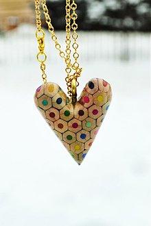 Náhrdelníky - srdce z farbičiek - 1174800