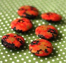 Materiál ručne robený - Hrdzavé kvetinkovo - poťahované gombíky v rôznch veľkostiach - 1320197