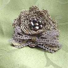 Odznaky/Brošne - Kvetinka Zlatej priadky - 1506295