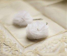 Ozdoby do vlasov - Biele kvety do vlasov z tylu svadobné - 1518463