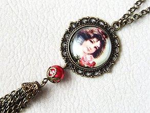 Náhrdelníky - portrét dievčatka - 1540560