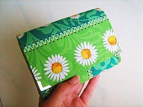Peňaženky - Kopretinky z letní louky - zipová i na karty :-) - 1646105