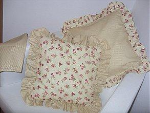 Úžitkový textil - volánové vankúšiky na želanie - 1744420