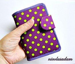 Peňaženky - Peněženka cool - green dot´s on violet - 1753257