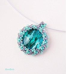 Náhrdelníky - ZĽAVA! Tyrkysovo-strieborný náhrdelník s obšívaným skleným kabošonom so striebrom - 1807081