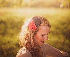 Ozdoby do vlasov - Klobúčik čierny s červenými kvetmi makmi fascinátor - 1855538