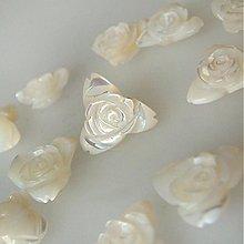 Minerály - Ružičky trojlistové perleťové / 13 mm - 1861118