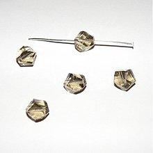 Korálky - 0144 Nepravidelný brúsený kryštálik 9 mm, farba black diamond, 1 ks - 188934