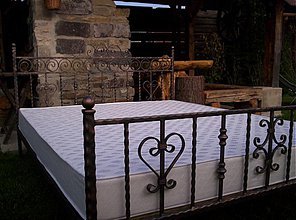 Nábytok - Kovová štýlova posteľ PILOTEK III.  - 1901156