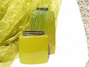 Dekorácie - Vázy zelené hranaté. - 1977341