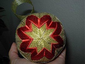 Dekorácie - Vianočná guľa (červeno - zlatá) - 2000761
