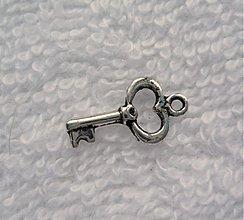 Komponenty - KPrív-kľúčik-1ks (8x15mm-platina) - 2084726