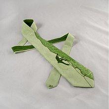 Doplnky - Hedvábná kravata s horolezcem - světle zelená - 2172161