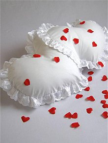 Úžitkový textil - Valentínsky vankúš BEATA pre dvoch. - 2186825