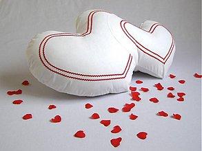 Úžitkový textil - Valentínsky vankúš IRMA s výplňou midi. - 2192559