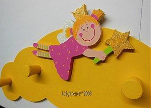 Nábytok - žltý vešiačik - 2198381