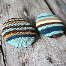 Materiál ručne robený - Čokoláda a tyrkys - buttony vo svetríku - 2269673