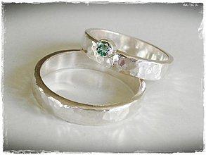 Prstene - strieborná tepaná obrúčka - prsteň s mystickým topasom - 2400584