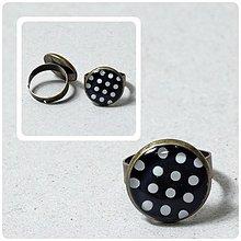 Prstene - Bielo - čierny bodkovaný prstienok - 2431070