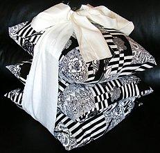 Úžitkový textil - dekoračné vankúše - 2461236