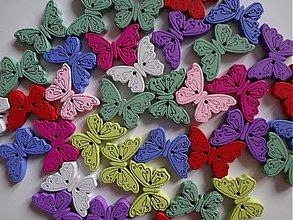 Galantéria - Drevené gombíčky motýlikovia - balíček 10ks - 2472814