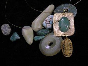 Náhrdelníky - Náhrdelník mosadzný s avanturínom - 2474514