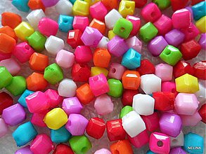 Korálky - Plast kocka 5x5mm-150ks - 2555458