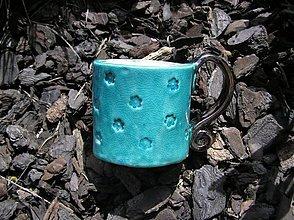 Nádoby - malý tyrkysový hrnček s kvetinkami - 2567054