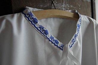 Oblečenie - Pánska krojová košeľa s modrým lemovaním - 2569327