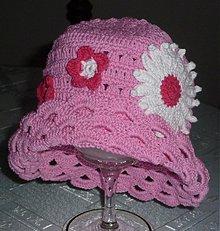 Detské čiapky - Ruzovy klobucik s margaretkou - 2601879