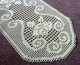 Úžitkový textil - Filetová s ornamentami a ružičkami - 2648235