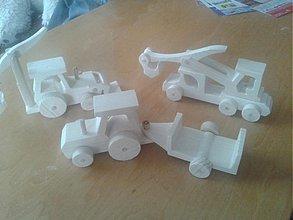 Hračky - malé drevené autíčka do ruky - 2715041