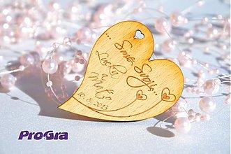 Darčeky pre svadobčanov - Drevená magnetka - Minisrdiečko - Sme svoji 1A - Akciová cena - 2853427