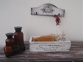 Nádoby - Drevený kvetináč-truhlík home - 2959845