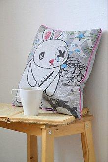 Dekorácie - vankúšik - Zajačik neboráčik - 3006329