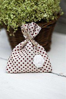 Darčeky pre svadobčanov - Vrecúško bodkované s kvetinkou - 3077208