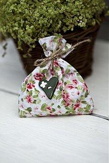 Dekorácie - Vrecúško s ruzovými kvetinkami - 3078773