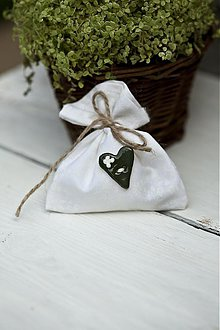 Darčeky pre svadobčanov - Vrecúško s jemnými bielymi kvetmi - 3078826
