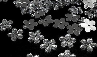 Galantéria - kvetina plast strieborná - 3106525