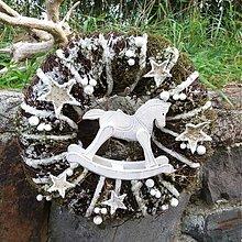 - Vánoční s dřevěným koníkem - věnec na dveře - 3120175