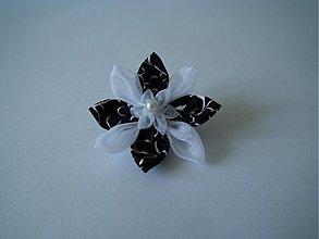 Odznaky/Brošne - Čierno-biela brošňa III - 3128471