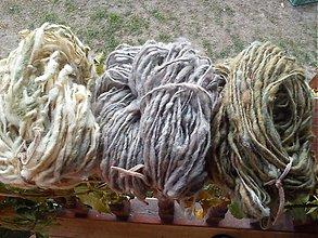 Materiál ručne robený - Ručne pradená ovčia vlna - EKO - 3153741