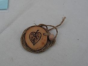 Náhrdelníky - Amulet - lístok lipový - 3182333