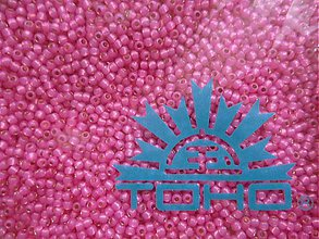 Korálky - 14-TOHO Round 11/0-Silver-Lined Milky Hot Pink-10g - 3240673
